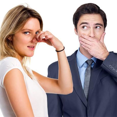 неприятный запах изо рта мужчины